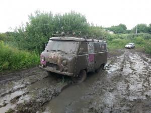 4 мотя в грязи
